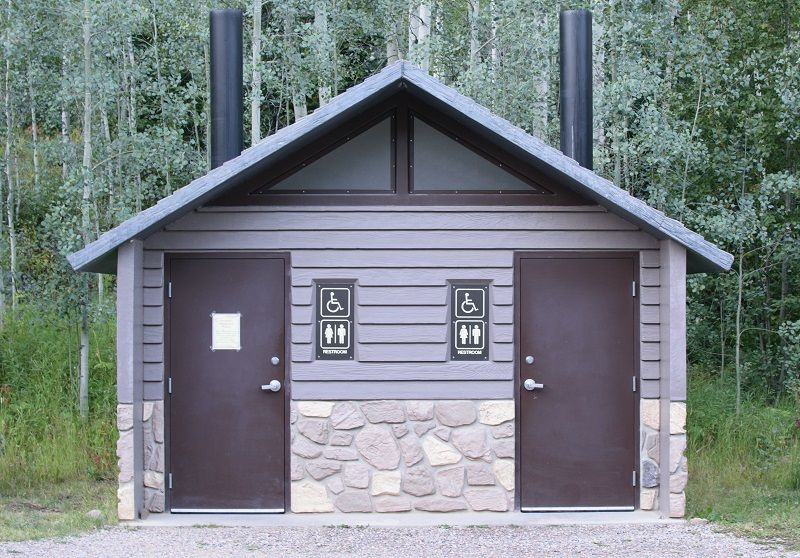 Campsite-Latrine-Building-for-Campgrounds-cm