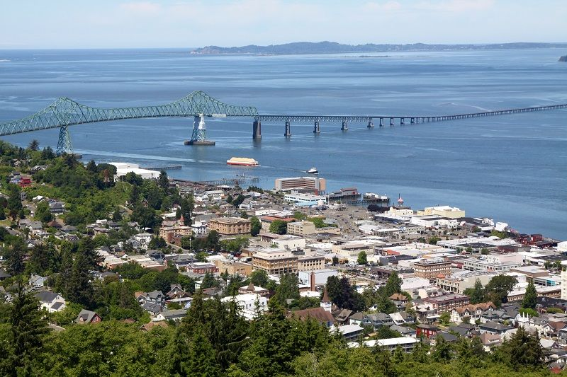 View-Of-The-Port-City-Of-Astoria-Oregon--cm