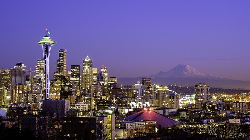 Seattle-skyline-at-night-with-Mt-Rainier-in-the-distance-cm